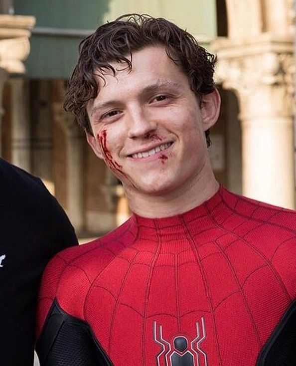 """Tom Holland Updates on Instagram: """"Tom on the set of Far From Home with last years Brothers Trust winner Eric! ❤️ — via @eric_wyant — @tomholland2013 - #tomholland…"""""""