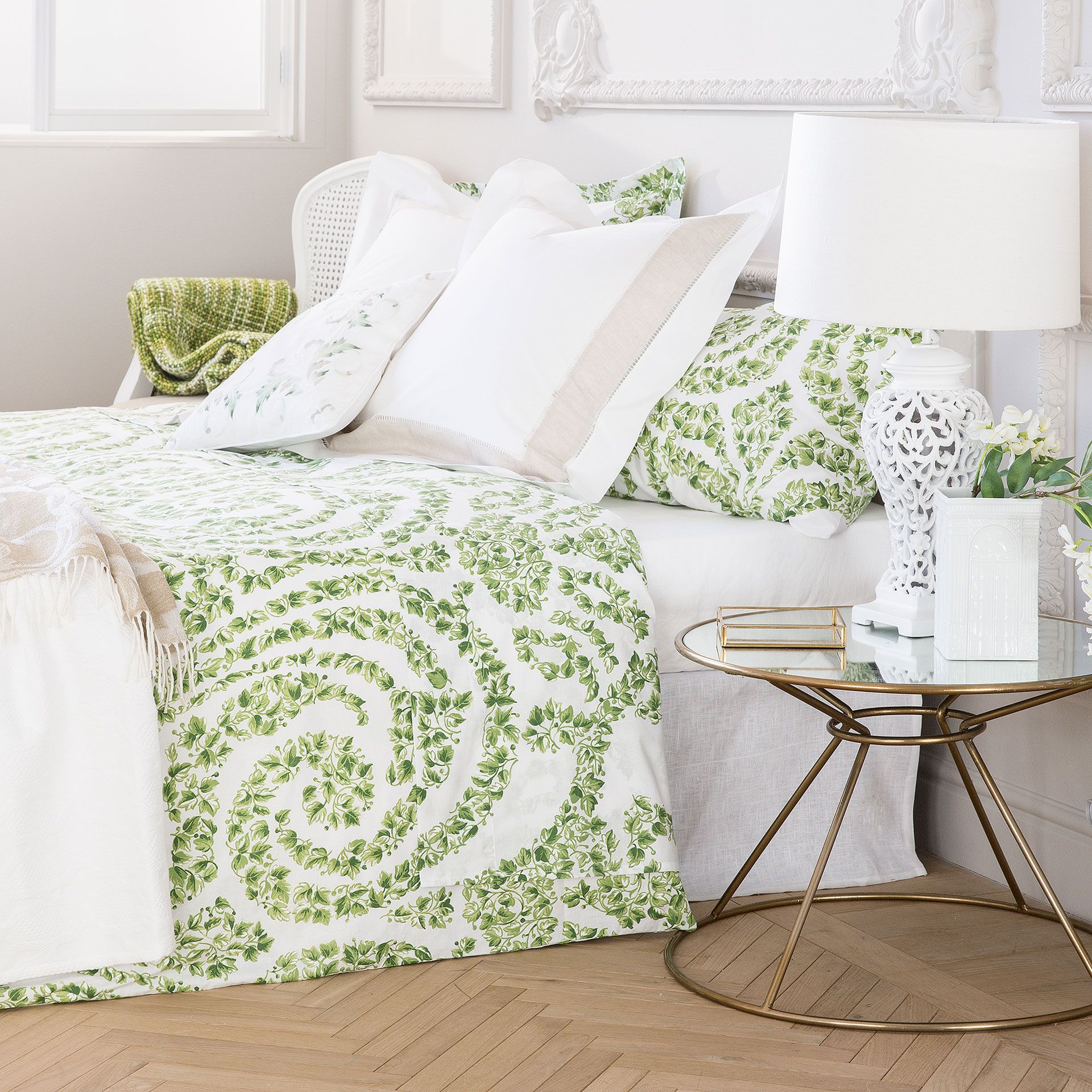 IVY PRINT BED LINEN - Special Prices