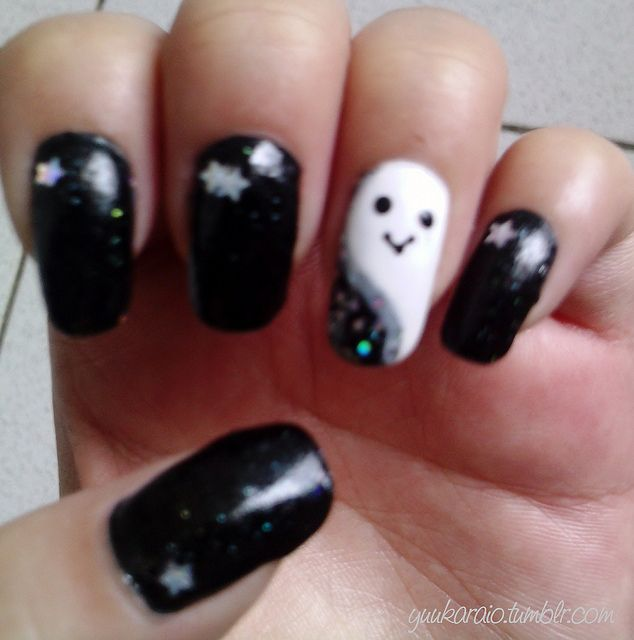 Nails-uñas de fantasma