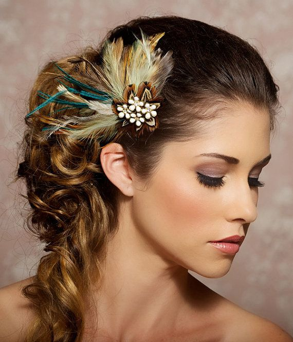 Boho Bridal Hairstyles For Carefree Bride: Long Wavy Floral Bride Hairstyle #wedding