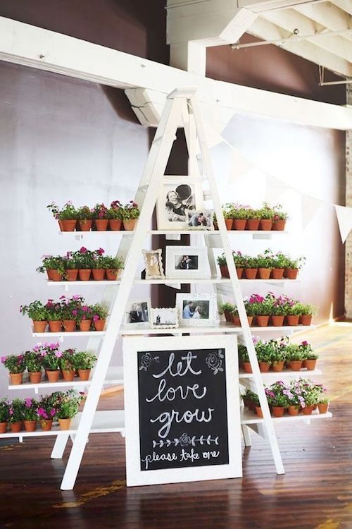 Top Wooden Ladder Wedding Decor Ideas to DIYs: Fast, Chic & Easy ...