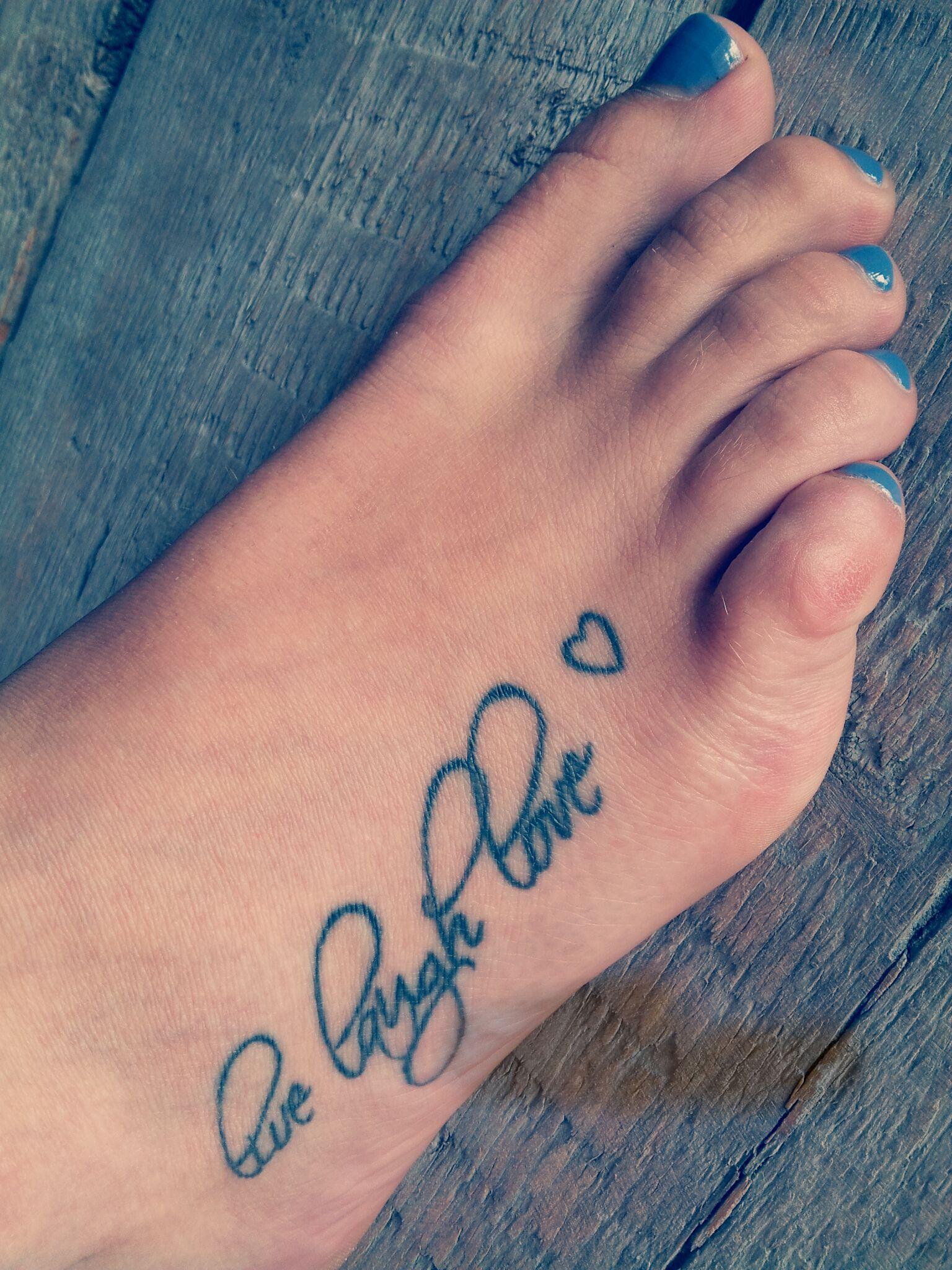 live laugh love tattoo | tattoo ideas | Pinterest ...