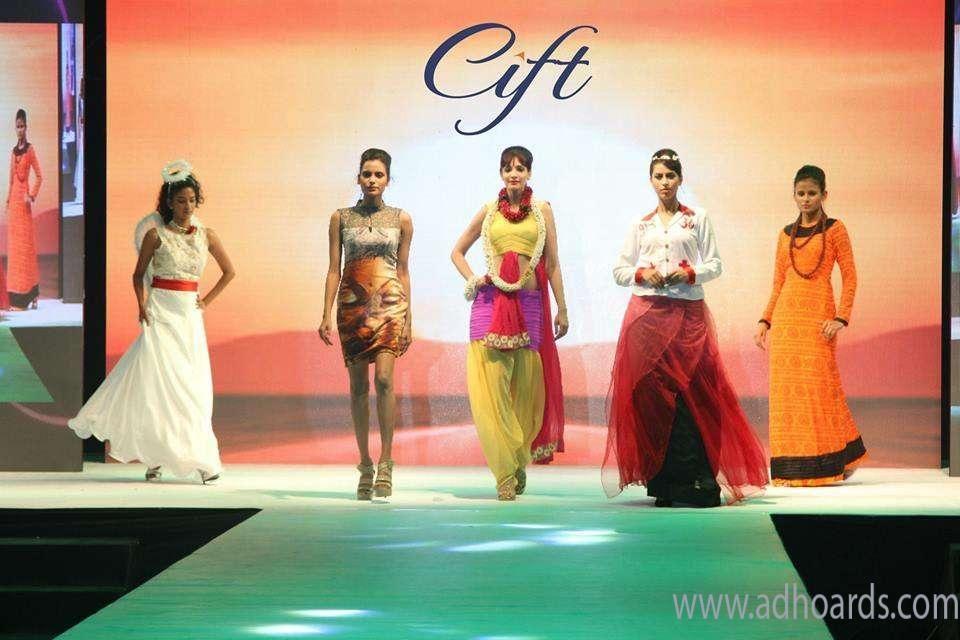 Top Fashion Designing Institute Suratcift Fashion Designing Course Technology Fashion Fashion Designing Institute