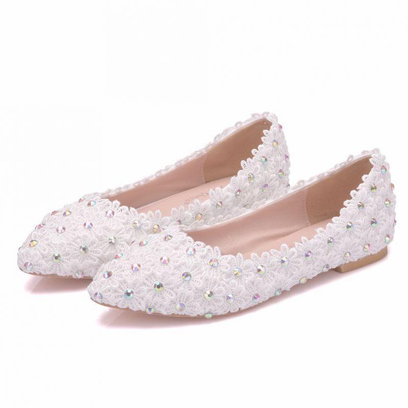 Piekne Biale Buty Slubne 2018 Z Koronki Kwiat Rhinestone Szpiczaste Slub Plaskie Lace Wedding Flats Cheap Wedding Shoes Sparkly Wedding Shoes