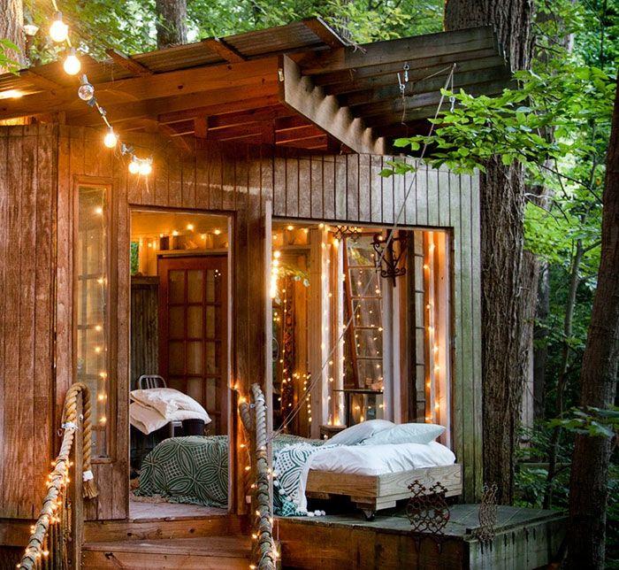 Gartenhaus Selber Bauen Holz Baracke Lichterketten Bett