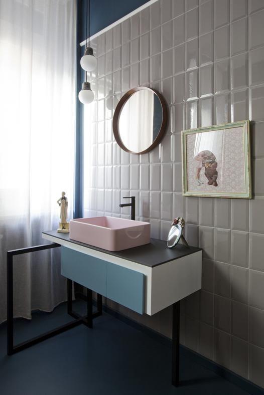 Kleine badkamer met keramische tegels. | Bathroom | Pinterest