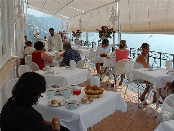 Hotel Belvedere Amalfi Italy Favorite Places Table