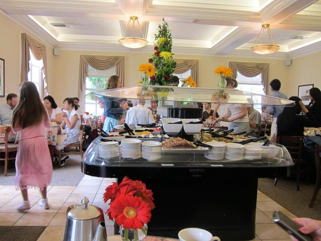 Rose Garden Tea Room at The Huntington Library (San Marino