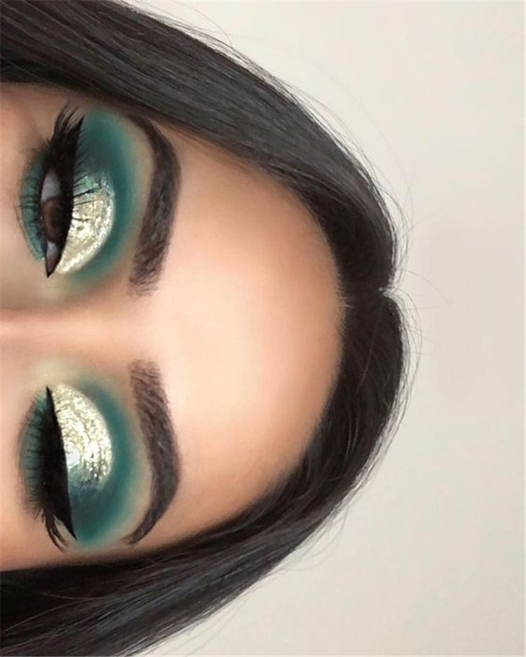 50 Stunning Christmas Green Eyeshadow Makeup Ideas You Must Know - Page 37 of 50 - Cute Hostess For Modern Women -   11 holiday Makeup green ideas