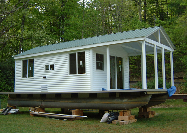 Extremely simple pontoon house boat floating cabin for Building a floating home