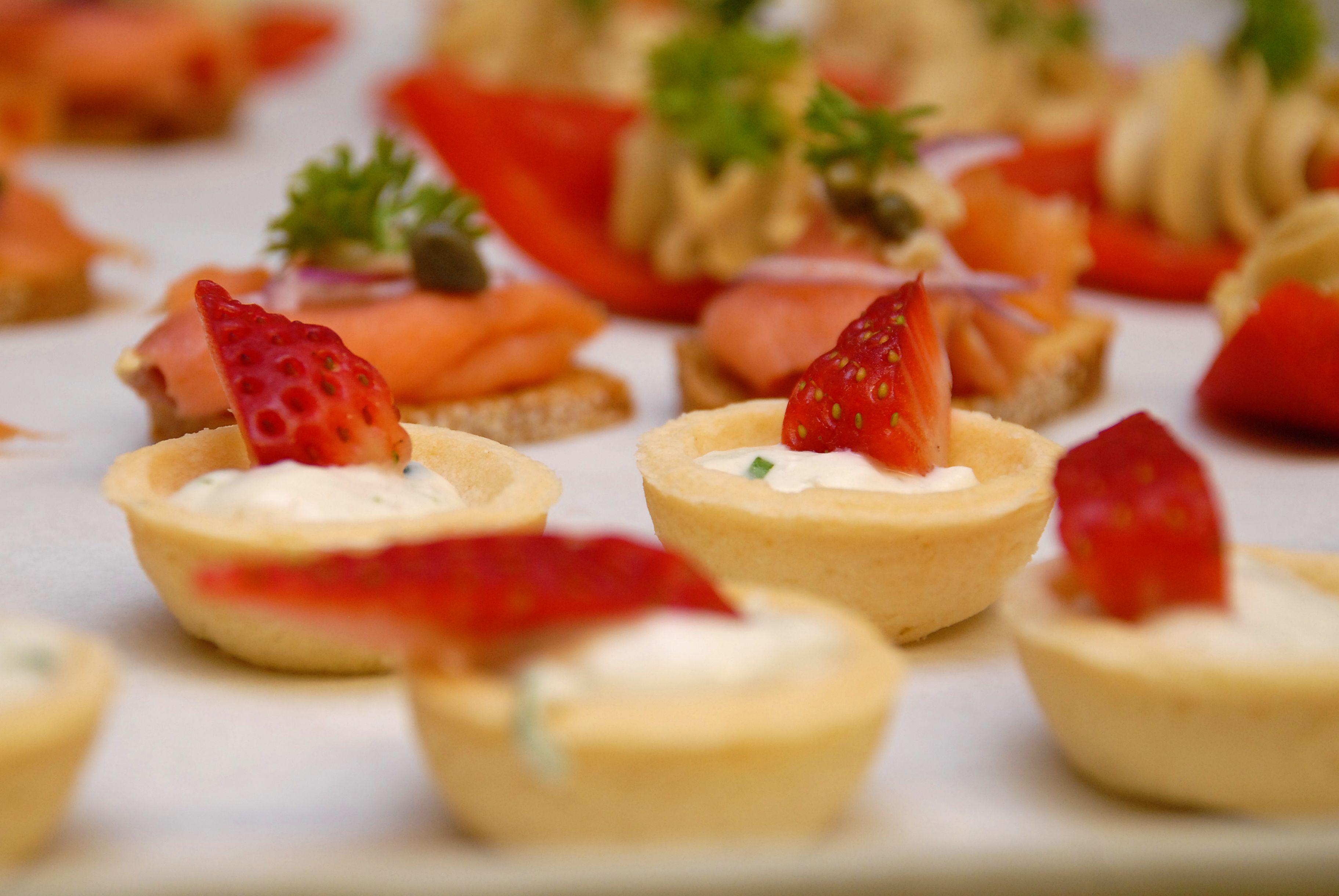 Executive chef prepares meal for Gourmet Club Austrian