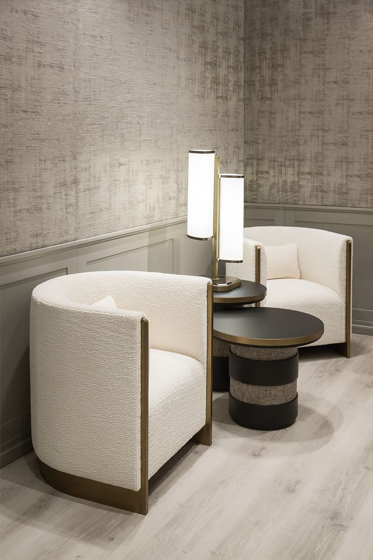 This Luxurious Modern Design Offers Unmistakable Italian Style And Elegance For Any Interior Superbly Executed By Master Craftsmen Beautiful