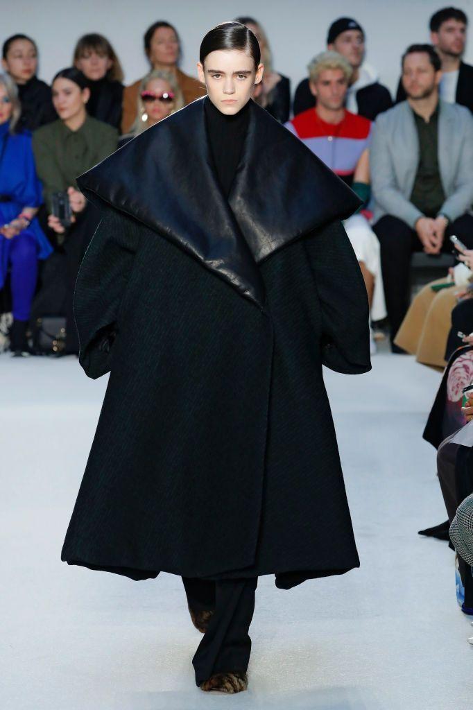 I vestiti in pelle (leggi: abiti-pantaloni-stivali-giacche) domineranno la moda il prossimo inverno