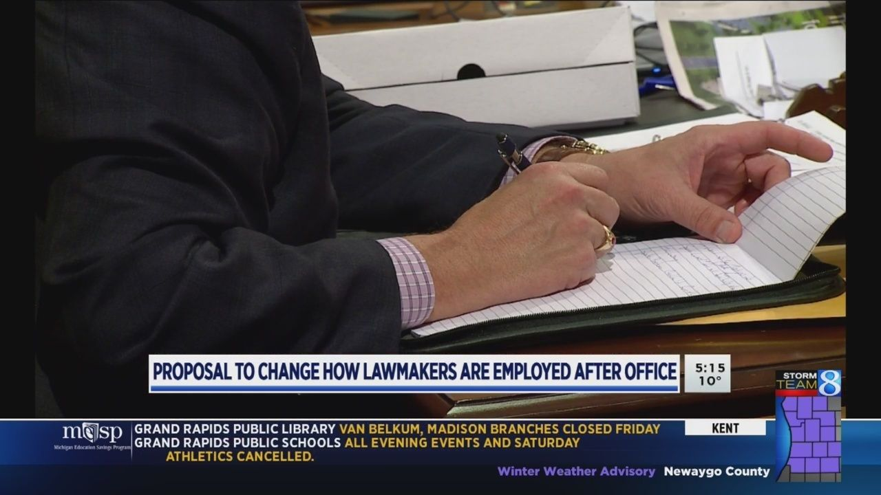 Lawmaker proposes bill to ban immediate lobbying