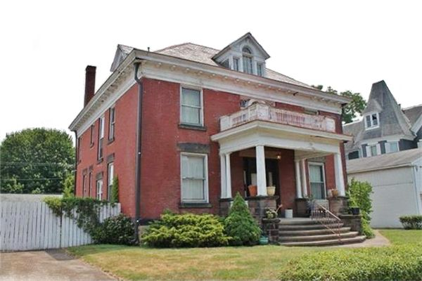 10 Beautiful Historic Houses For Sale Under 100k Historic Homes Historic Homes For Sale Zanesville