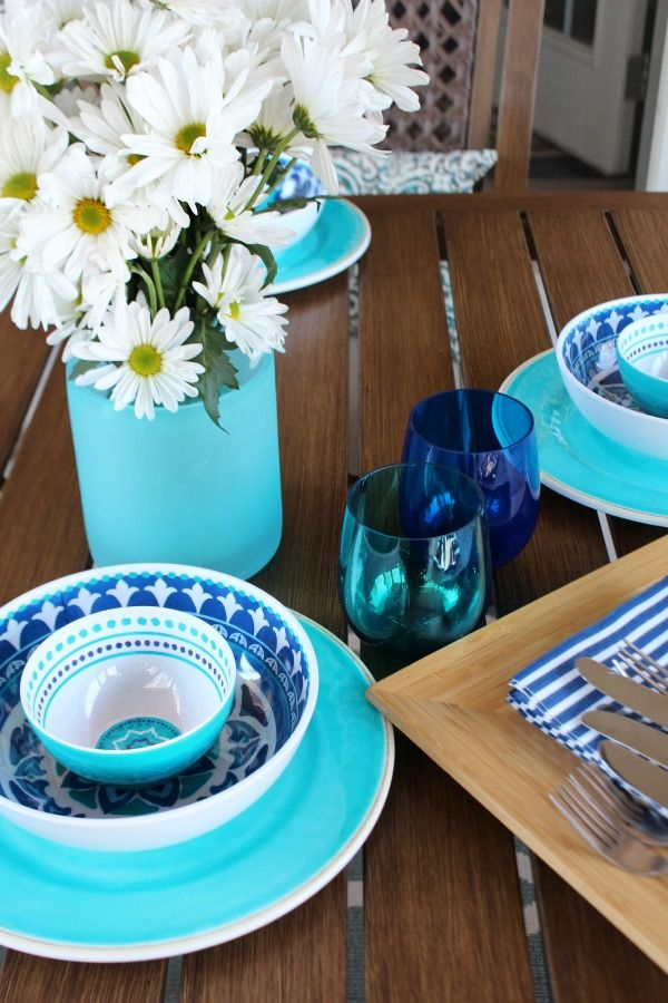 Fresh flowers and Aqua, Navy dishes perfect for outdoor entertaining