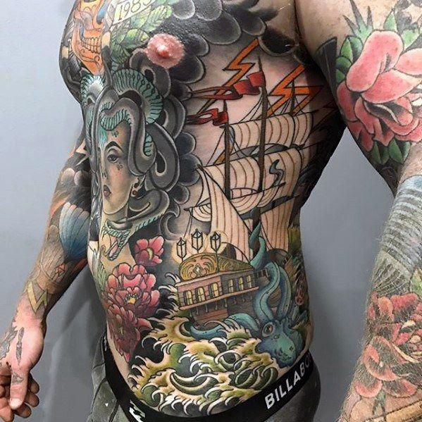 Zärtliche Asiatin Mit Tattoos