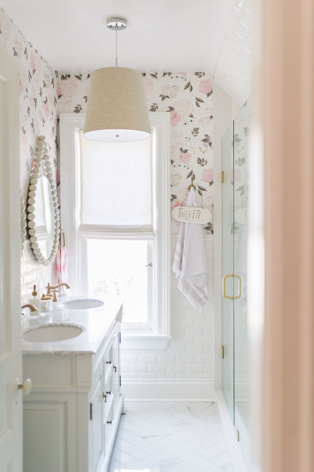If You Follow Me You Ll Know That I Define My Style As Airy Modern And Feminine And This Bathroom Real Feminine Bathroom Beautiful Bathrooms Bathroom Design Feminine bathroom decorating ideas