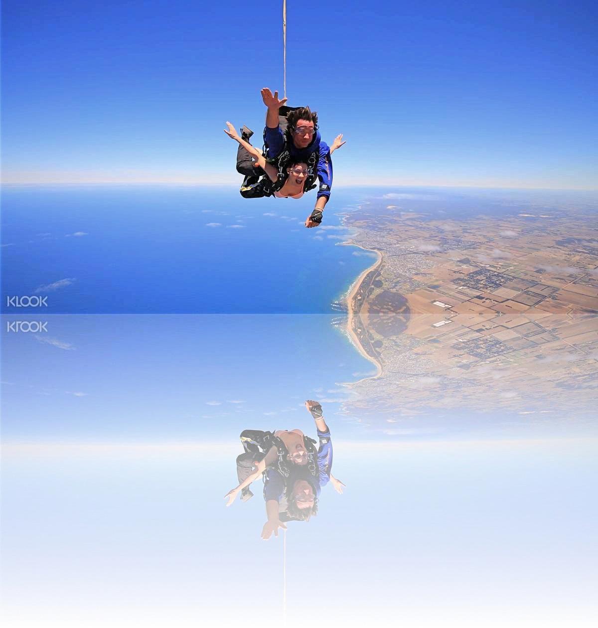 The Feeling Of Tandem Skydiving Skydiving Diving Landmarks