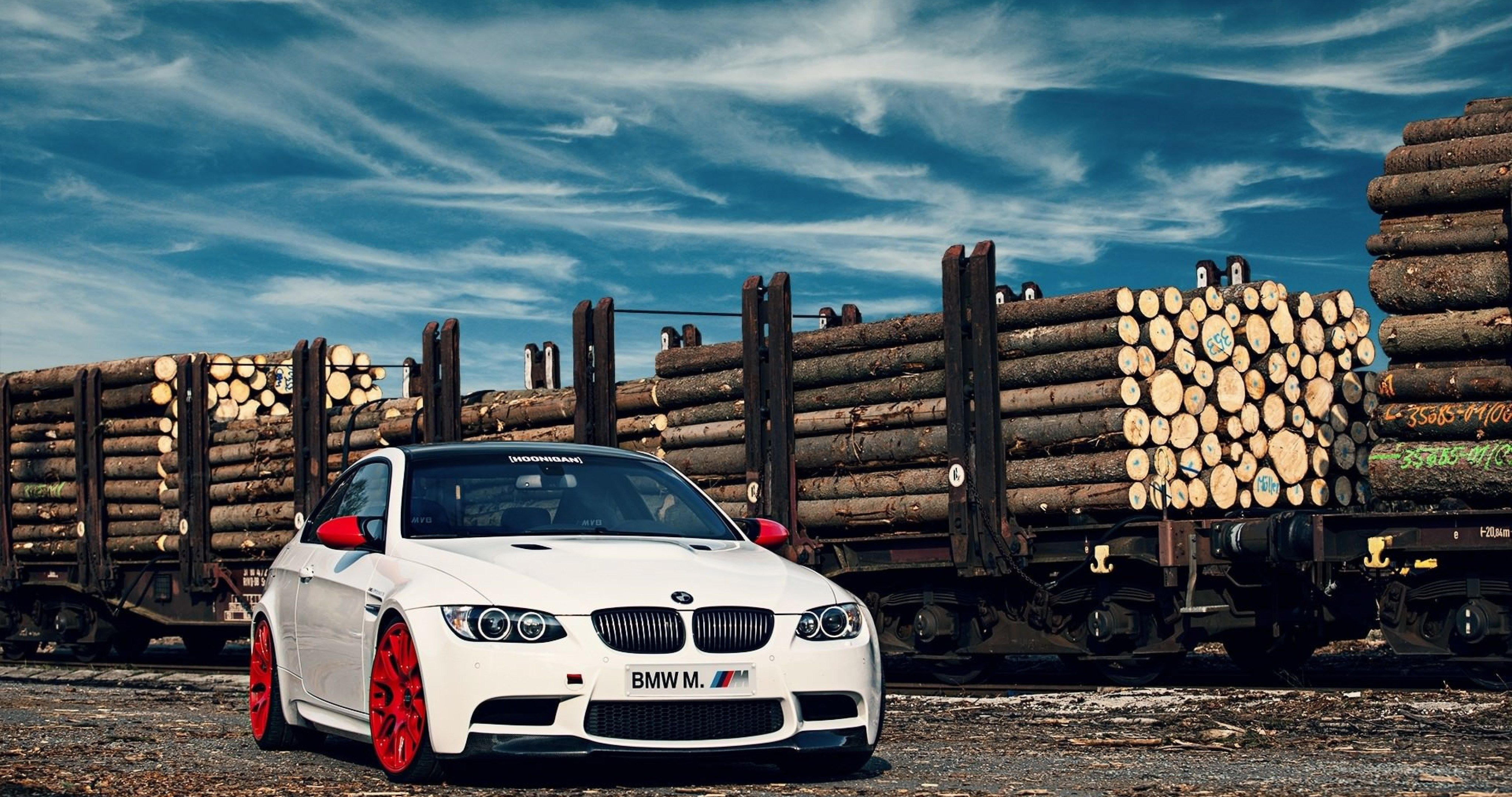 Bmw M3 E92 White 4k Ultra Hd Wallpaper With Images Bmw Bmw M3