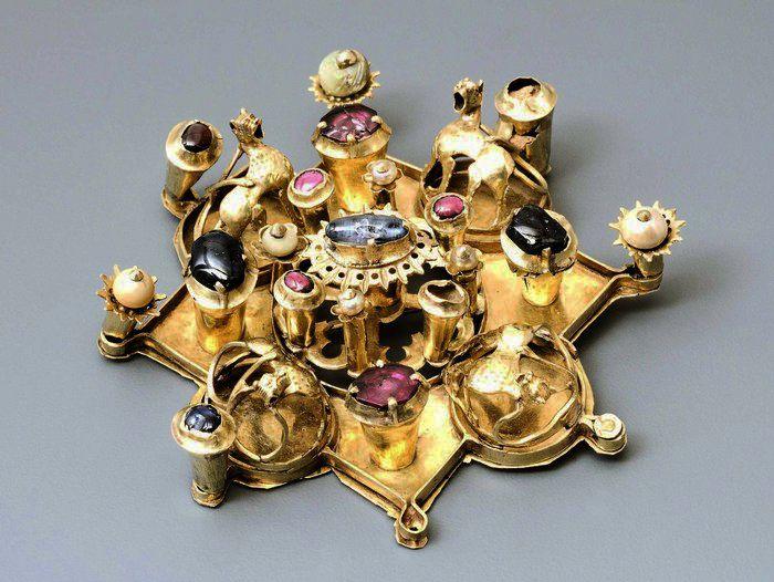 Créateur de bijoux wikipedia