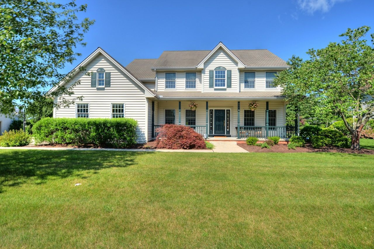 Lower Paxton Twp 6548 Windmere Road Harrisburg Beautiful 4 Bedroom Home With Open Floor Plan In Ground Sp Maple Hardwood Floors Paver Patio Estate Homes