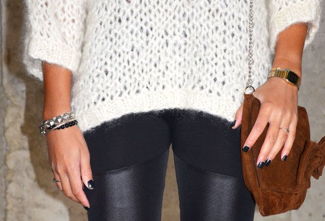 #mercredie #blog #mode #beaute #pull #jumper #wool #white #cream #barnabe #mesdemoiselles #blanc #sac #bag #clutch #nubuck #geneva #boots #ersatz #ash #squaw #detail #casio #vintage #montre #watch #black #nails #nailart #tregging #leather #cuir