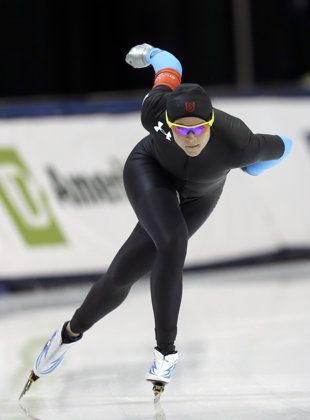Brittany Bowe competes in the women's 1,000 meters during the U.S. Olympic speedskating trials. (AP)