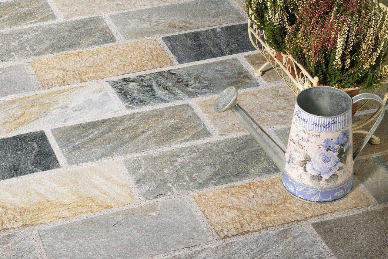 Baldosas de exterior de piedra natural rovella colecci n for Jardines en piedra natural