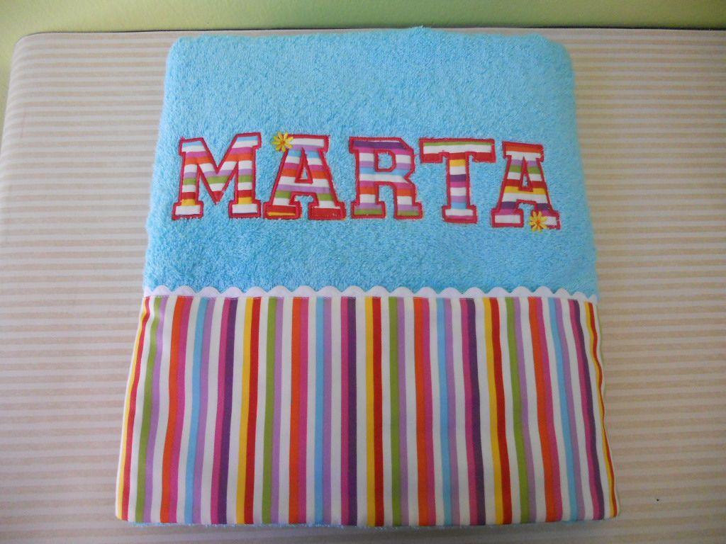 Toalla personalizada con letras en aplicaci n toallas - Toallas infantiles personalizadas ...