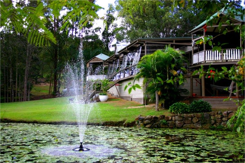 Celebrate Your Wedding In An Open Air Chapel At This Eco Friendly Resort The Gold Coast Hinterland
