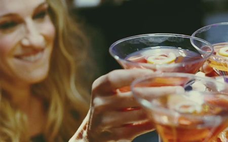 blog_00095_mix_your_own_sex_and_the_city_cosmopolitan_cocktail.jpg (450×280)