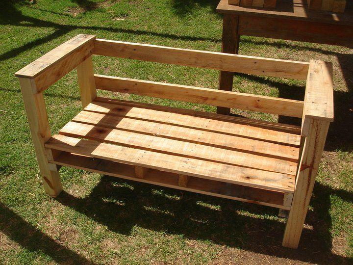 Sillon de madera reciclada buscar con google muebles for Bancas para jardin de madera