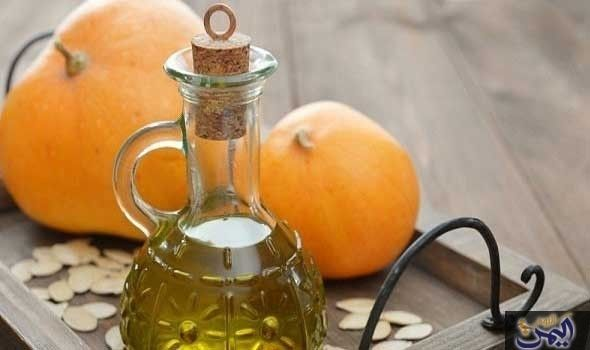 اعتني ببشرتك مع فوائد زيت بذور اليقطين الرائعة Pumpkin Seed Oil Benefits Pumpkin Oil Pumpkin Seed Oil