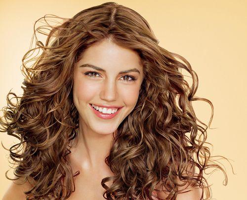 Cómo tener un pelo rizado sano y brillante en tres días - Para Más Información Ingresa en: http://imagenesdepeinados.com/como-tener-un-pelo-rizado-sano-y-brillante-en-tres-dias/