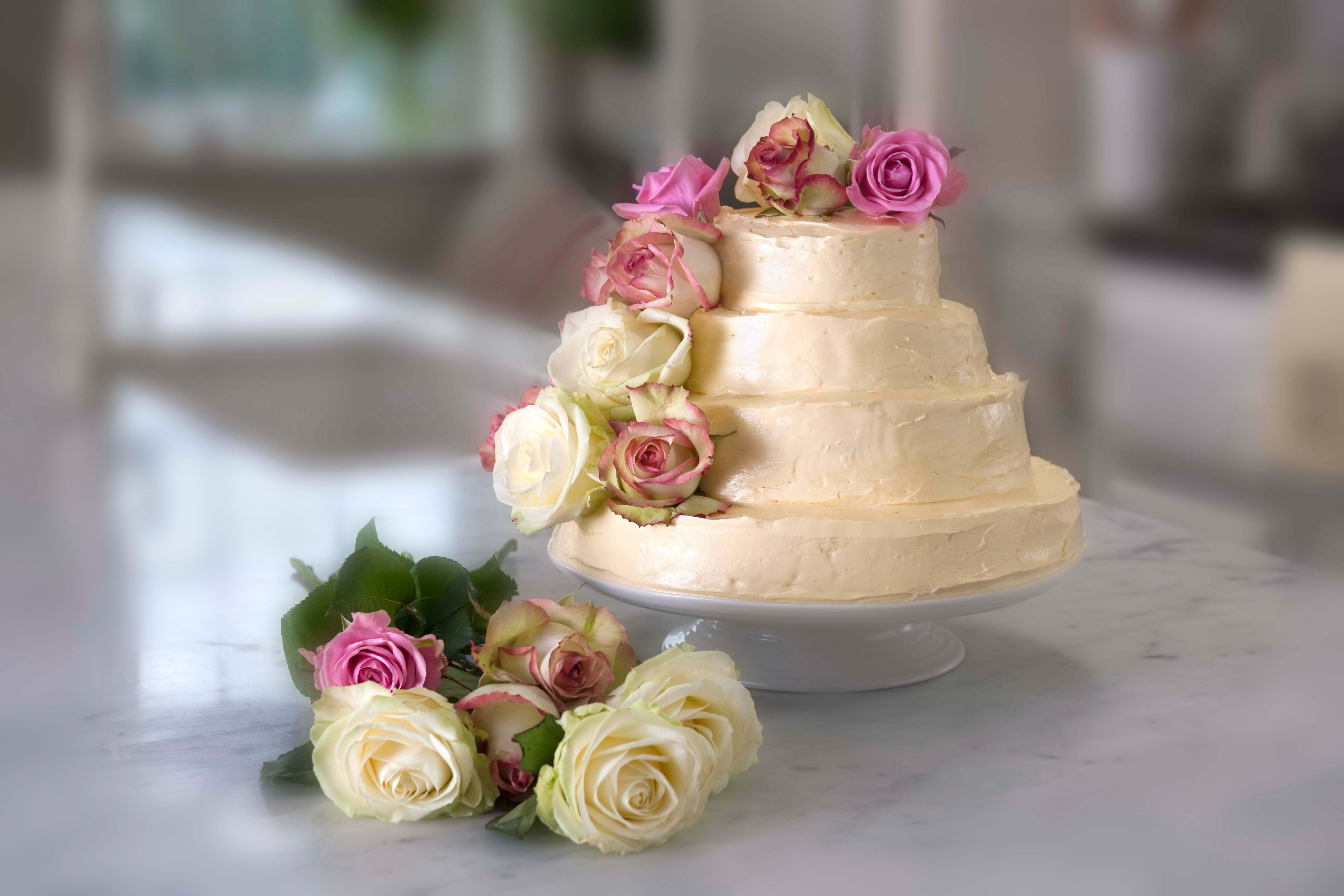 Vanilla wedding cake via @Rachel Allen http://gustotv.com/recipes/dessert/vanilla-wedding-cake/