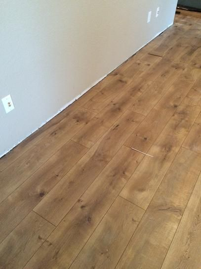 Pergo Xp Riverbend Oak 10 Mm T X 7 48 In W X 47 24 In L Laminate Flooring 19 63 Sq Ft Case Lf000773 The Home Depot Wood Floors Wide Plank House Flooring Flooring