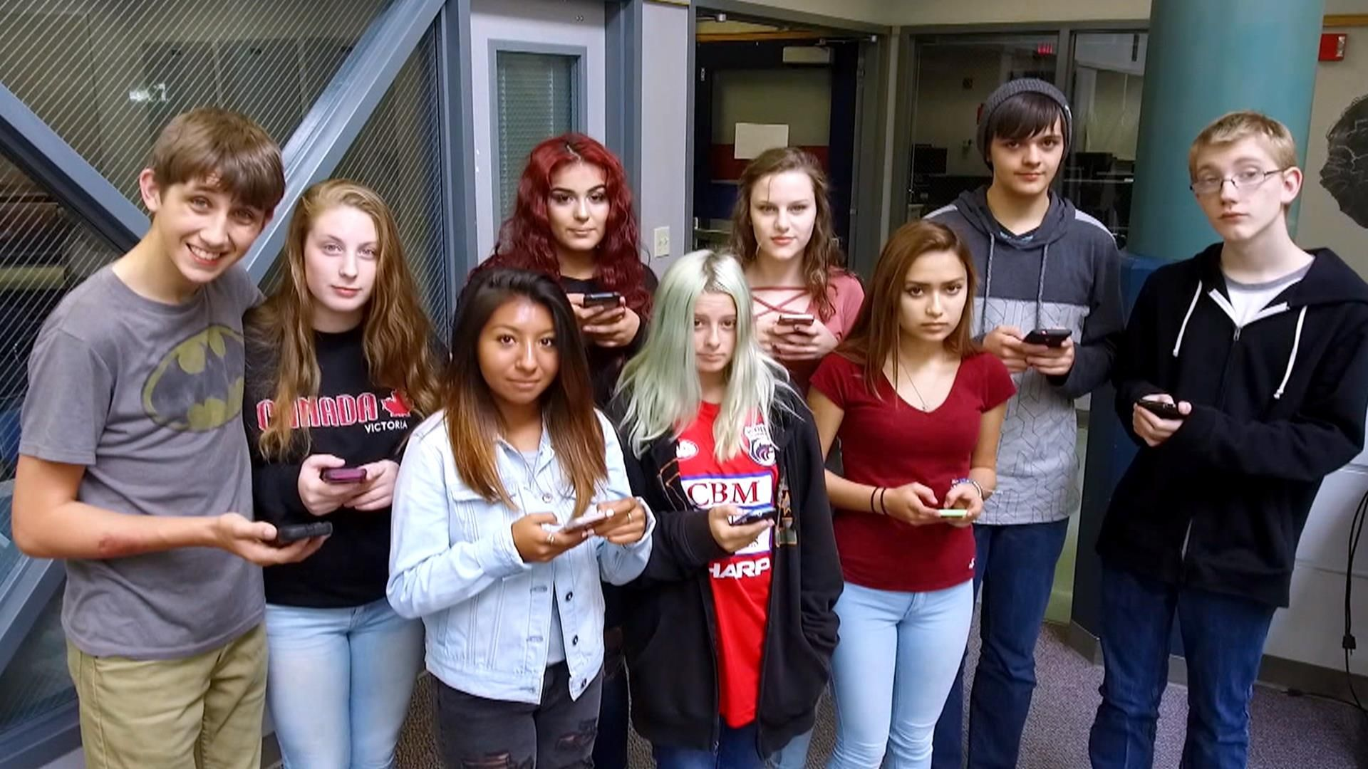 9 teens gave up their phones for a week — here's what happened