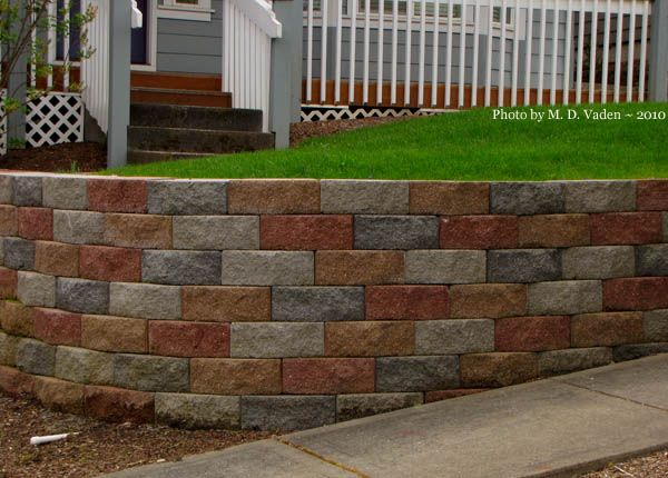 Retaining wall with multi color block do you like Garden wall color ideas