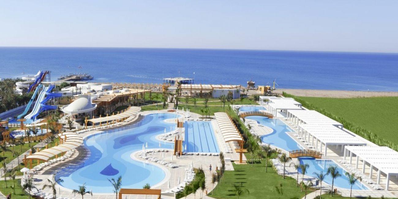 Vacanta De Vara La Mare Pe Litoral 2018 In Antalya Lara Din Turcia La Hotel Baia De 5 Stele Outdoor The Good Place Seaside