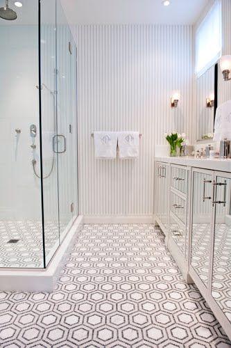 3 NYC BATHS MAKE A WONDERFUL SPLASH | Penny tile, Mirror cabinets ...