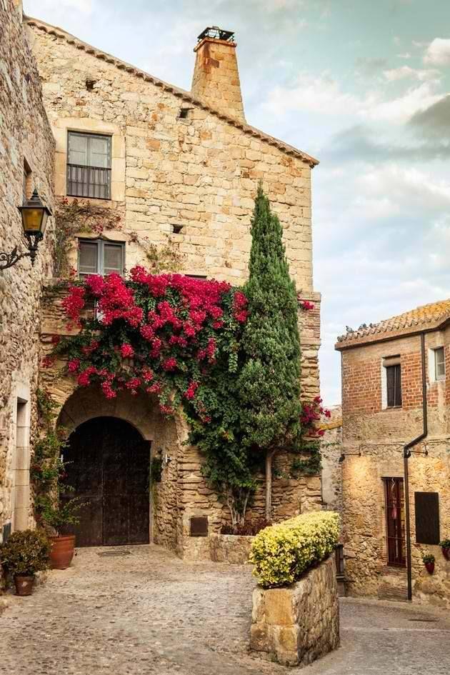 Very quiet & very calm.. Pals, Girona, Catalonia