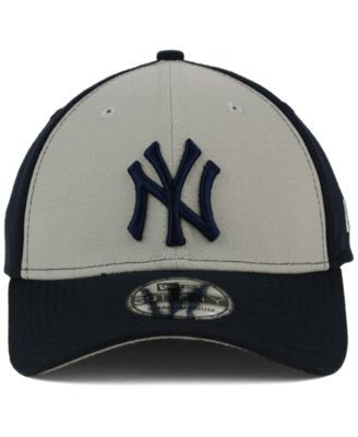 18ea59f3416 New Era New York Yankees Core Classic 39THIRTY Cap - Gray M L ...