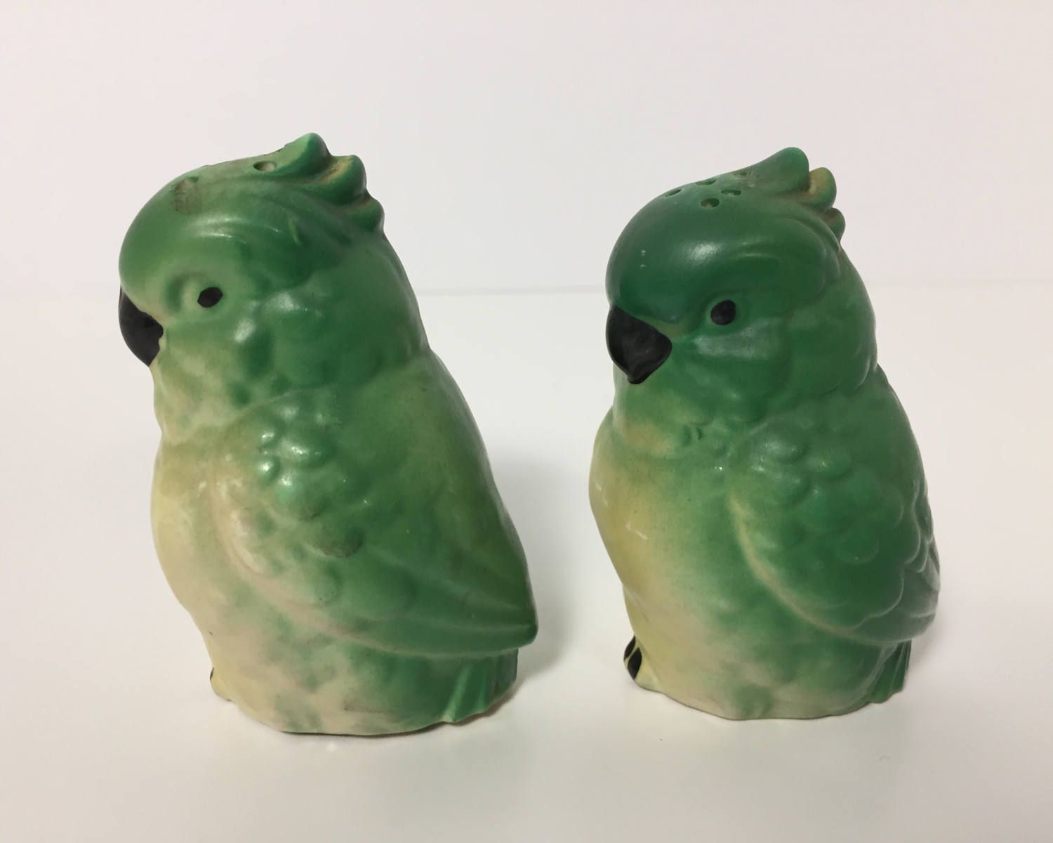 Vintage Novelty Green Parrot Salt and Pepper Shakers - Made in Japan Figural Shakers - Parakeet or Cockatoo by BagBagSydVintage on Etsy