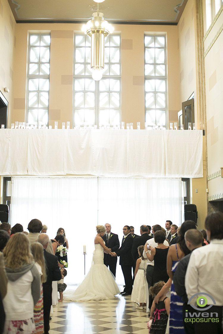 Wedding At The Durham Museum In Omaha Nebraska Photo By Iwen Exposures