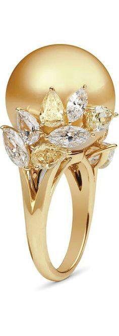 Beautiful pearl ring