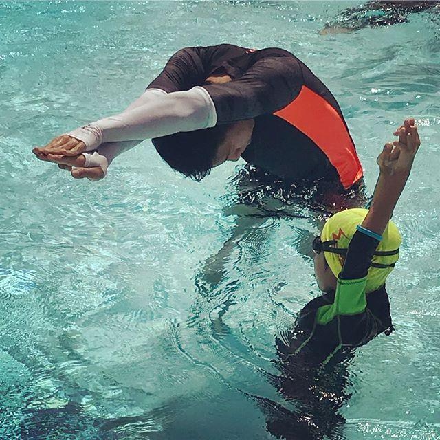 有陣時我地教練展現出黎嗰一種熱情真係好令人感動日曬雨淋浸住喺水親身示範不為高薪不為什麼而是為了讓 ...