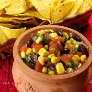 Para tu próxima reunión: 10 Deliciosos dips mexicanos: Ensalada de frijol y elote (Southwest Salad)