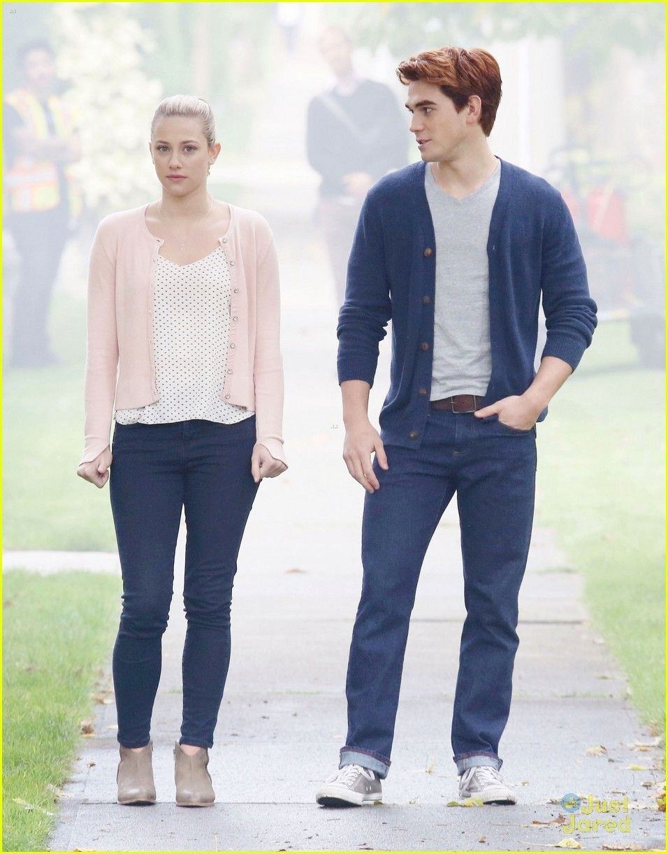 Lili reinhart kj apa riverdale flirting filming 02 | shows | Pinterest | Lili reinhart Films ...