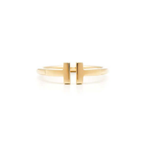 Tiffany T wire ring in 18k gold.